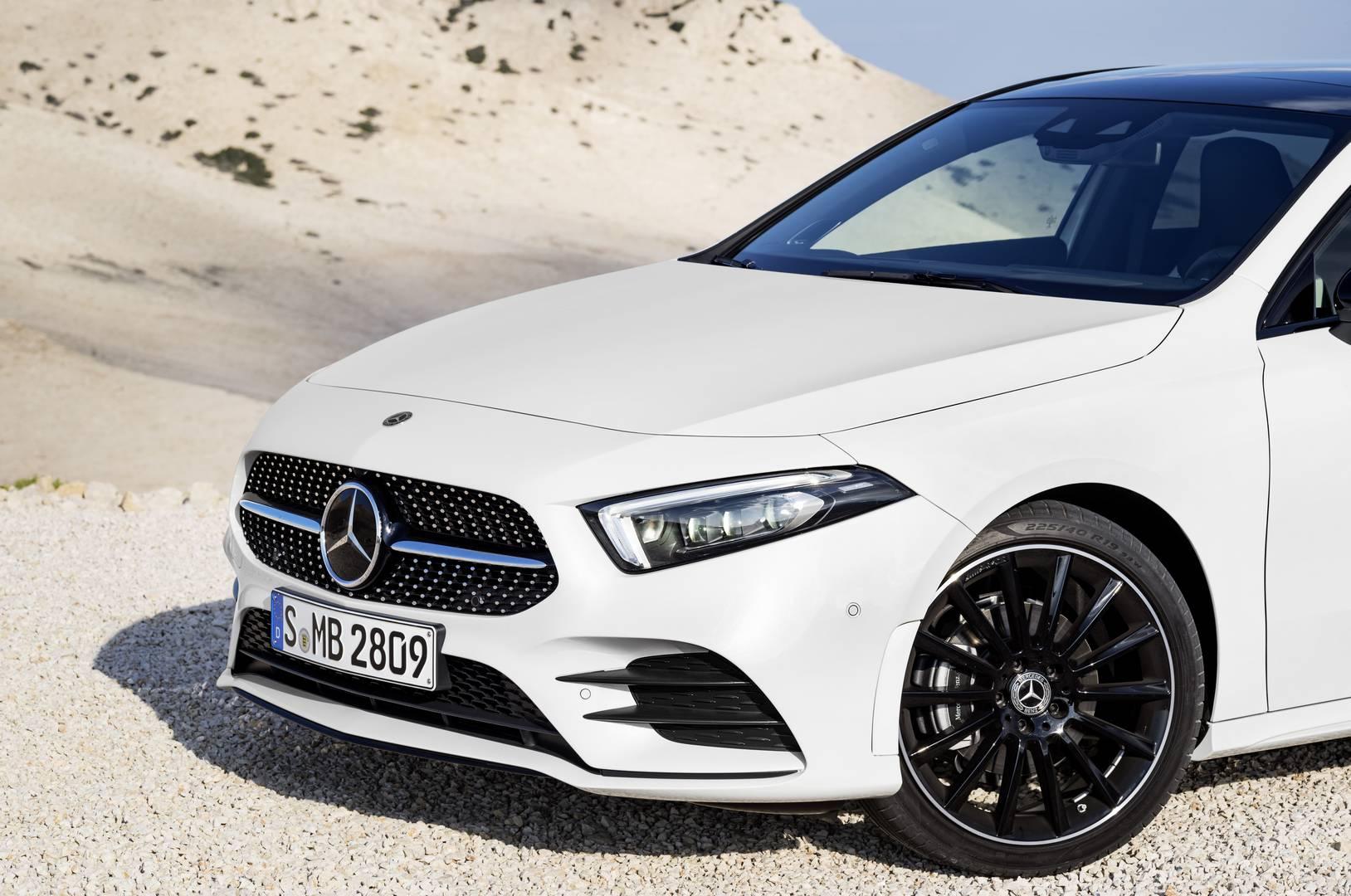 Mercedes Benz mercedes benz a class : Official: 2019 Mercedes-Benz A-Class - GTspirit