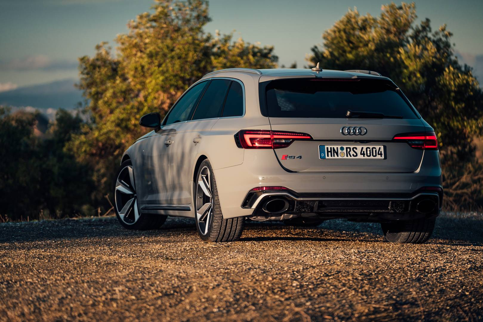2018 audi rs4 avant review gtspirit. Black Bedroom Furniture Sets. Home Design Ideas