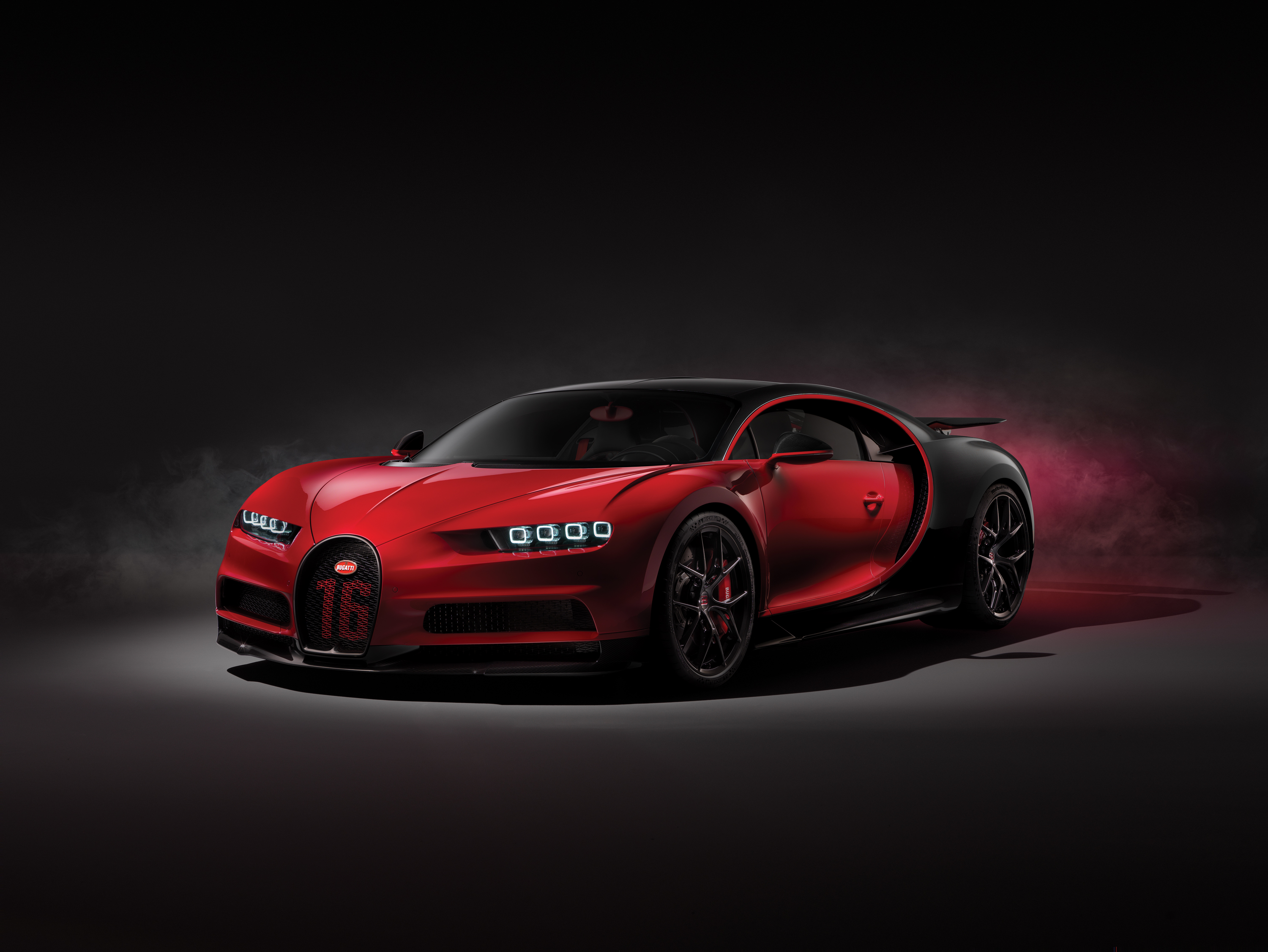 official bugatti chiron sport gtspirit. Black Bedroom Furniture Sets. Home Design Ideas