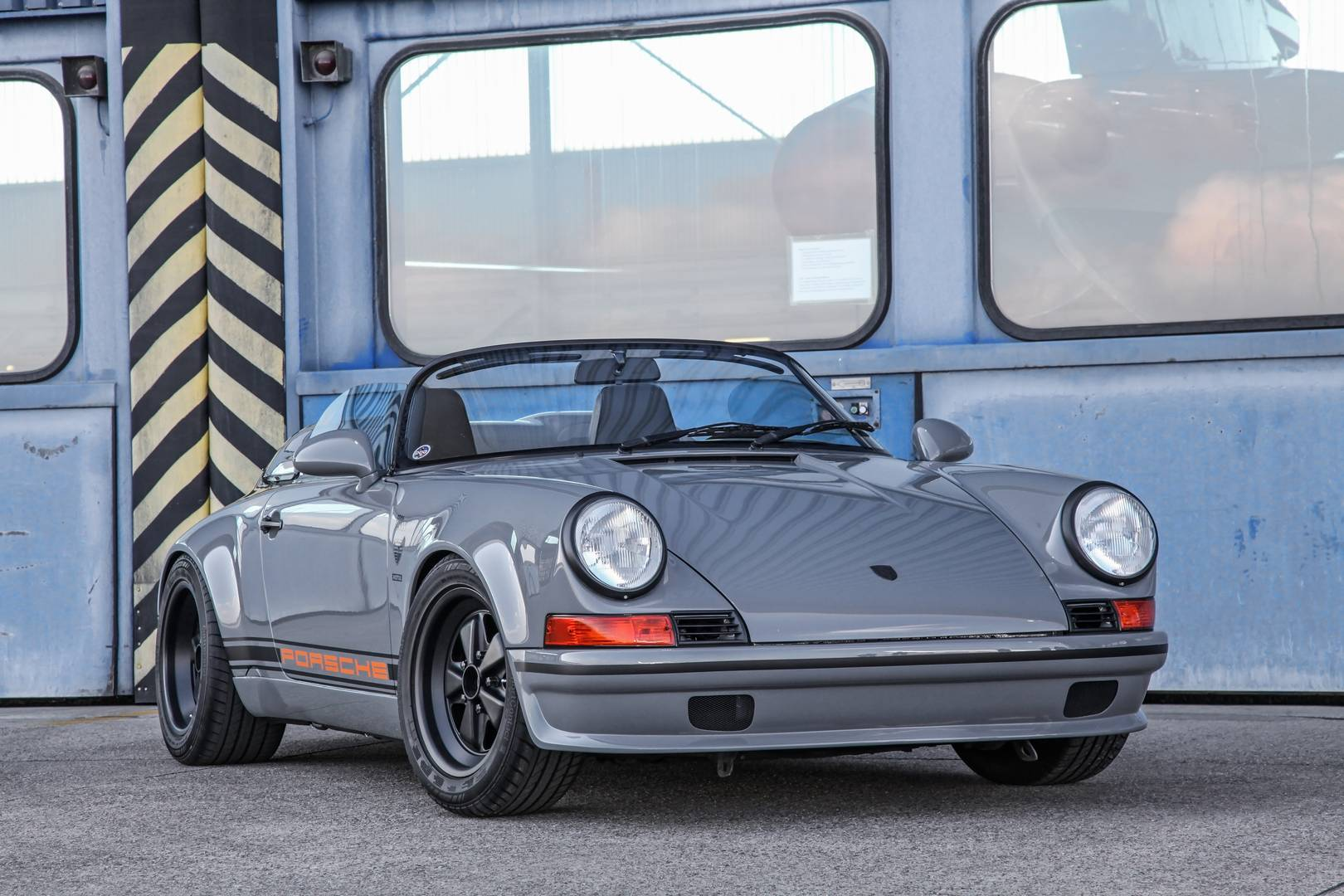 porsche 911 speedster conversion by dp motorsport gtspirit. Black Bedroom Furniture Sets. Home Design Ideas