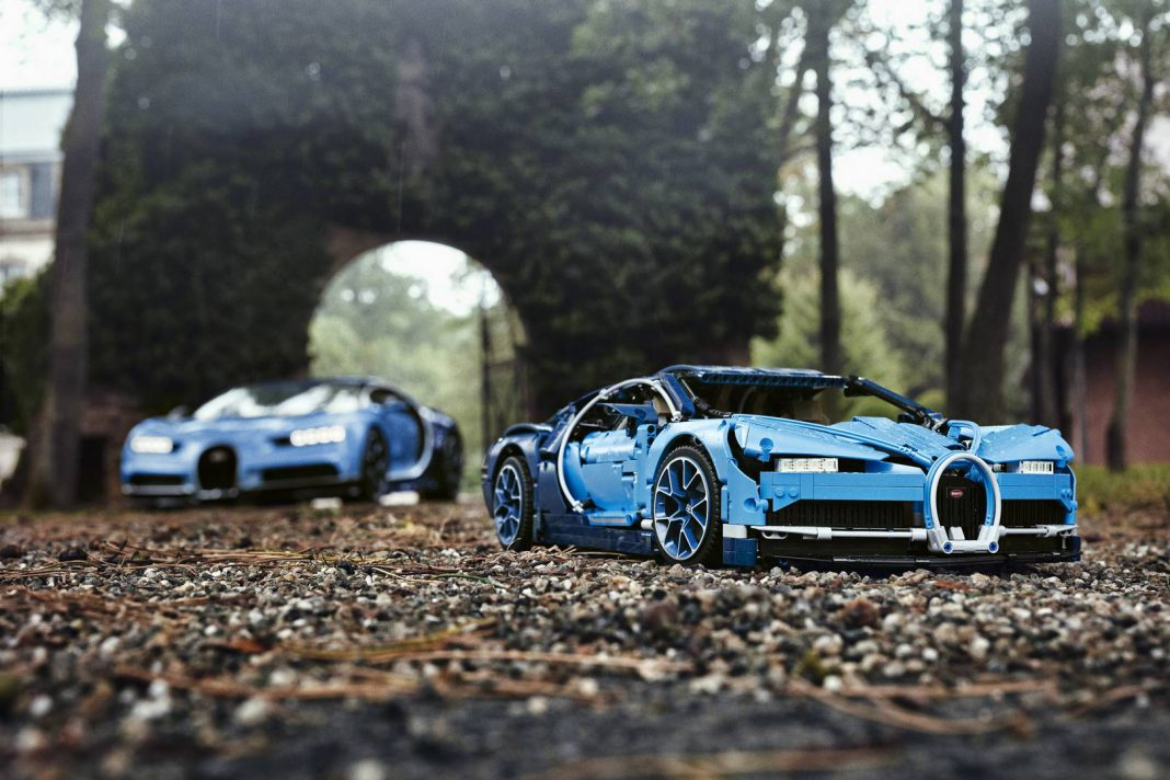 lego bugatti chiron launched 350 a unit gtspirit. Black Bedroom Furniture Sets. Home Design Ideas
