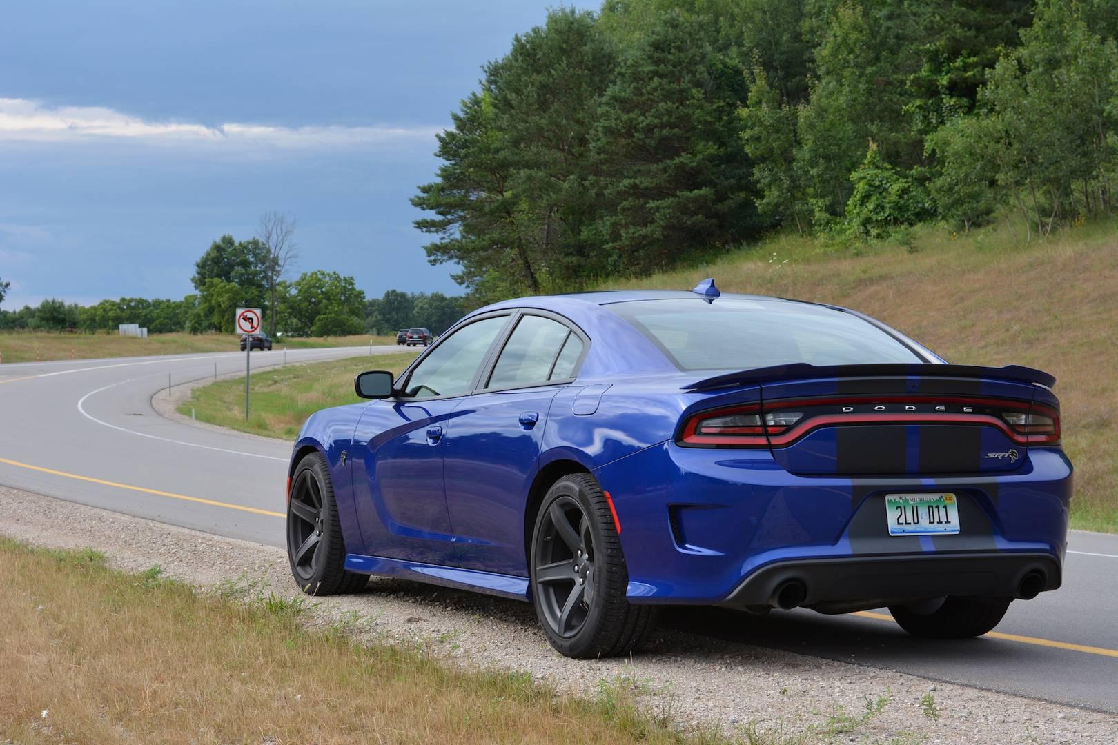 2019 Dodge Charger SRT Hellcat Review - GTspirit