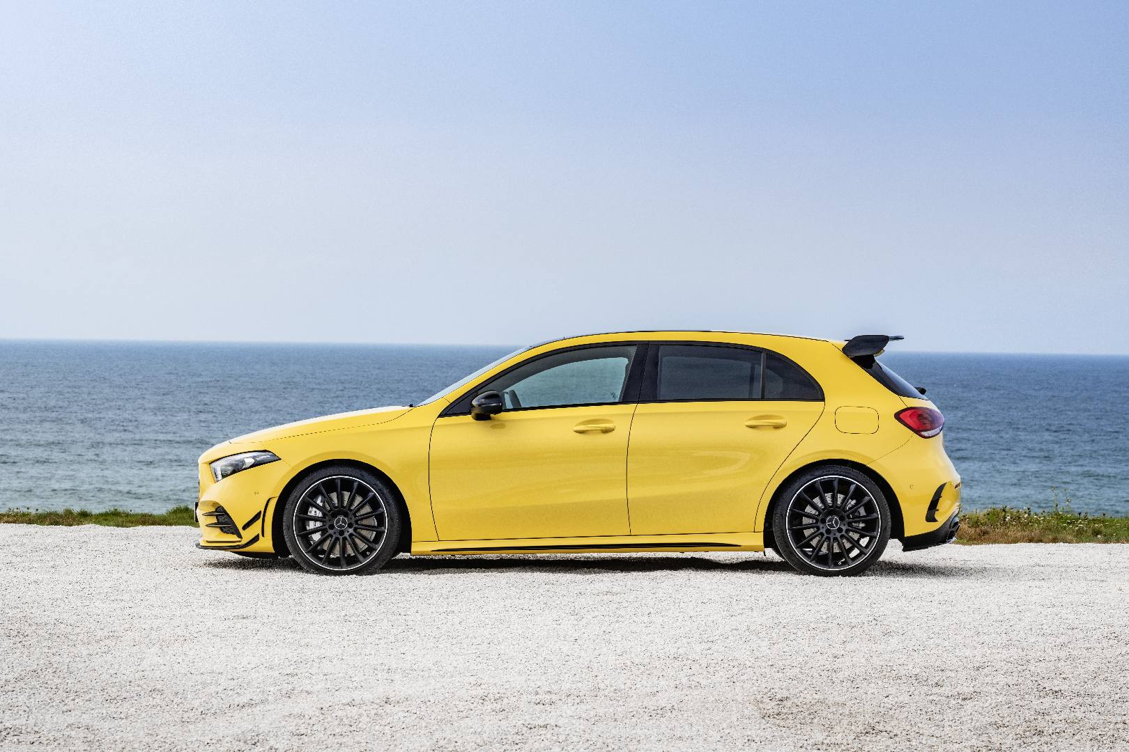 2019 mercedes amg a 35 revealed with 306hp gtspirit. Black Bedroom Furniture Sets. Home Design Ideas