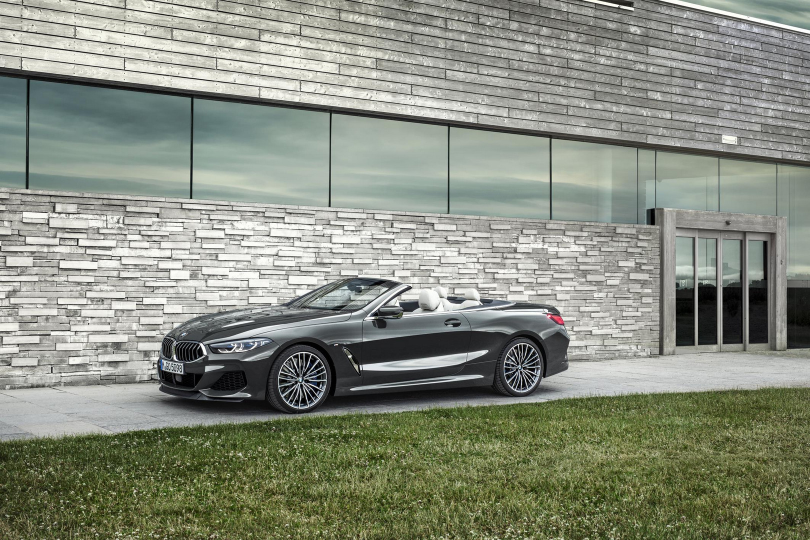 2019 BMW 8 Series Convertible Side