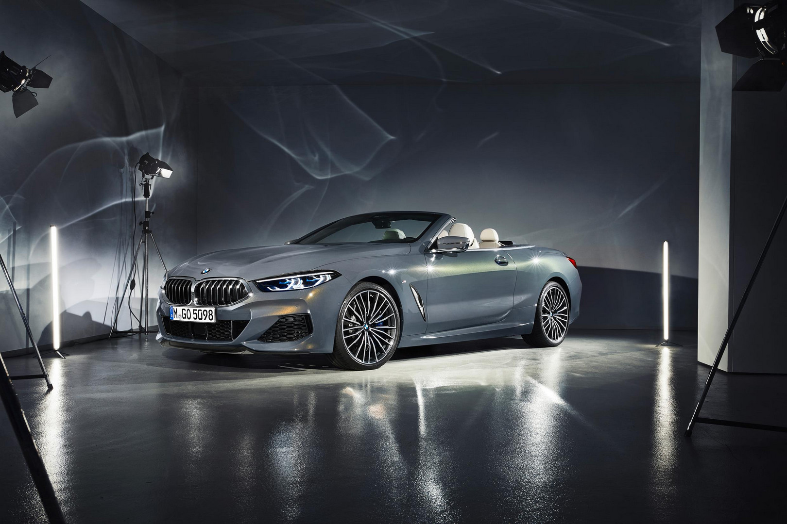 2019 BMW 8 Series Convertible Officially Revealed
