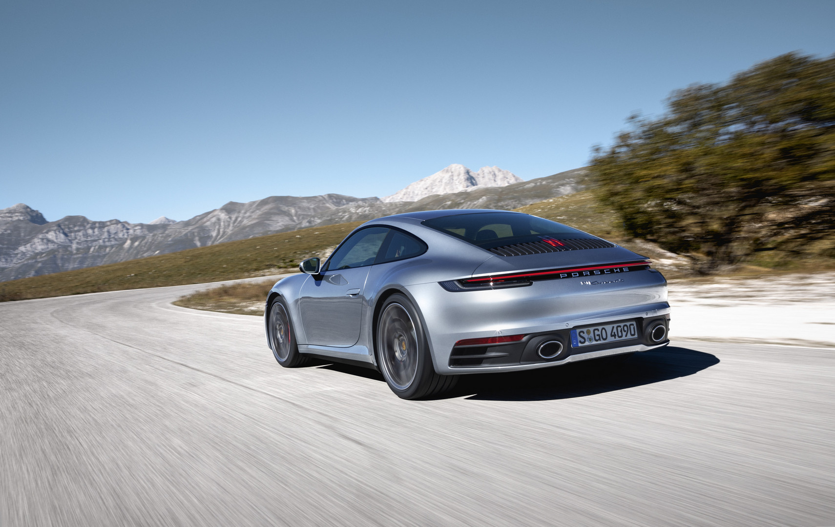 the porsche 992 911 will get electrification does it need it gtspirit. Black Bedroom Furniture Sets. Home Design Ideas