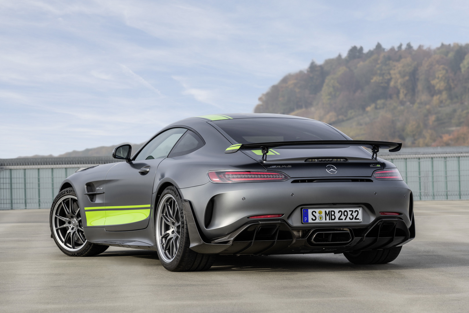 2019 Mercedes Amg Gt R Pro Officially Revealed Gtspirit