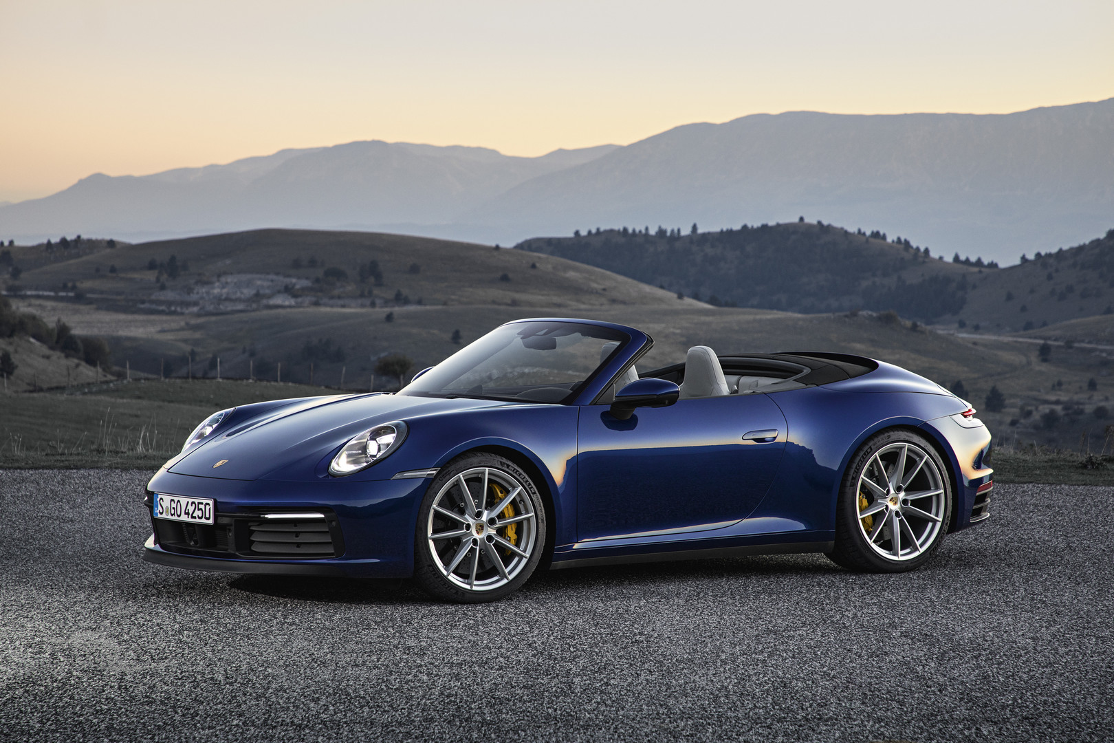 2020 Porsche 911 Carrera Cabriolet Officially Revealed
