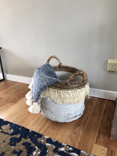 Pom Pom Blanket in Blue