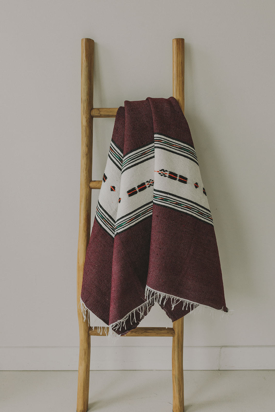 "Cotton Blanket (56"" x 81"") - maroon"