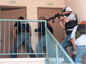 U.S._Marshals_knock_and_announce
