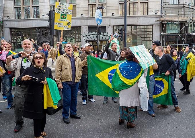 Protesto_pró-Bolsonaro_em_Londres