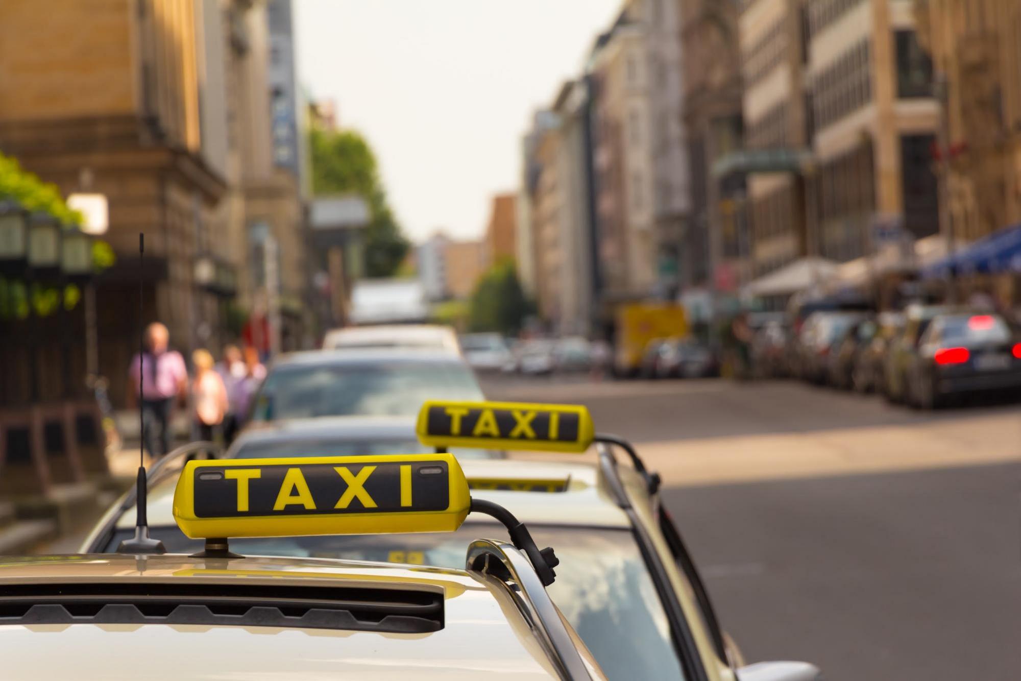 2 taxi.jpg