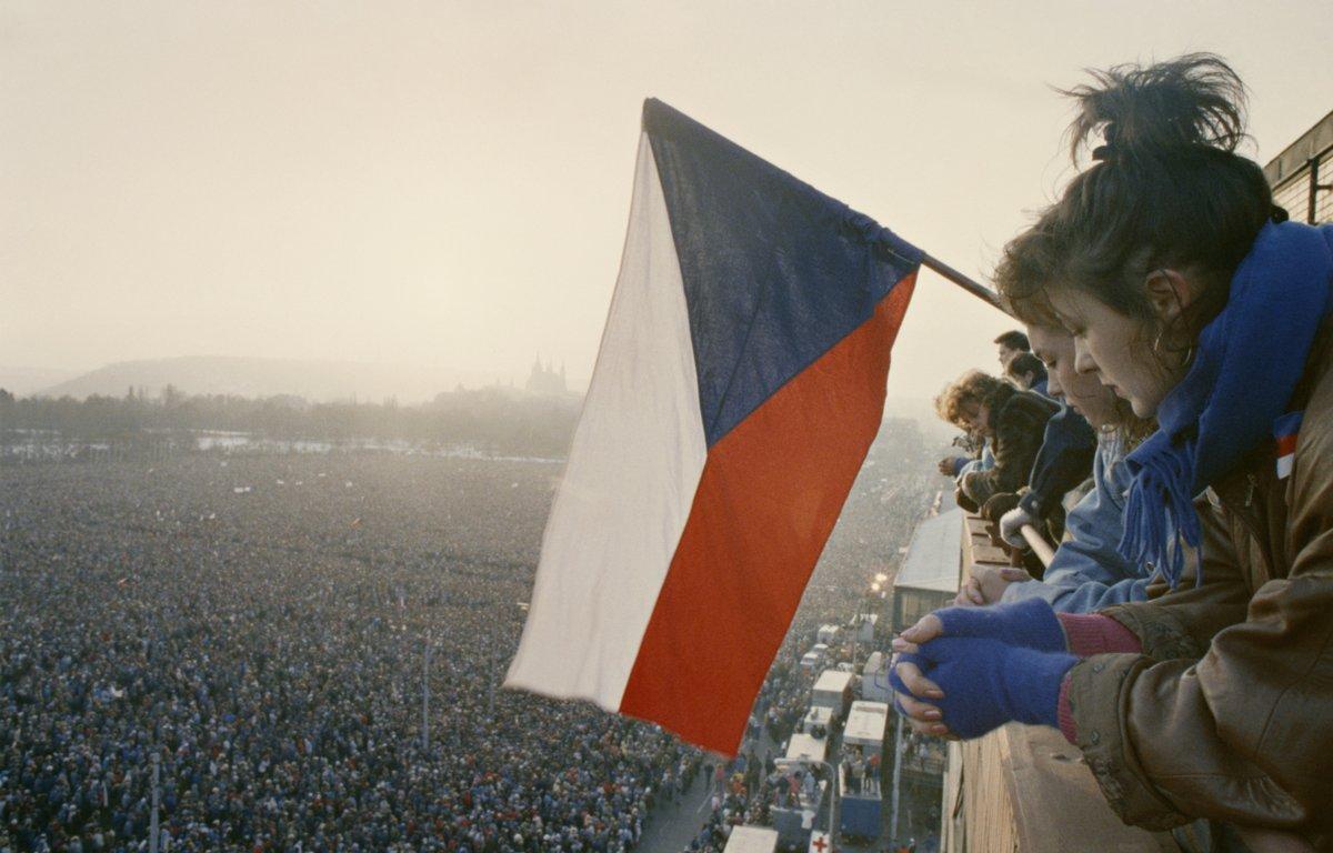 1989_Velvet Revolution demonstration.jpeg