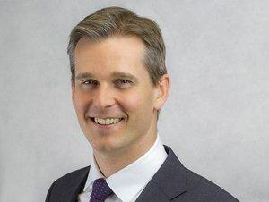 Andrew Charlton headshot