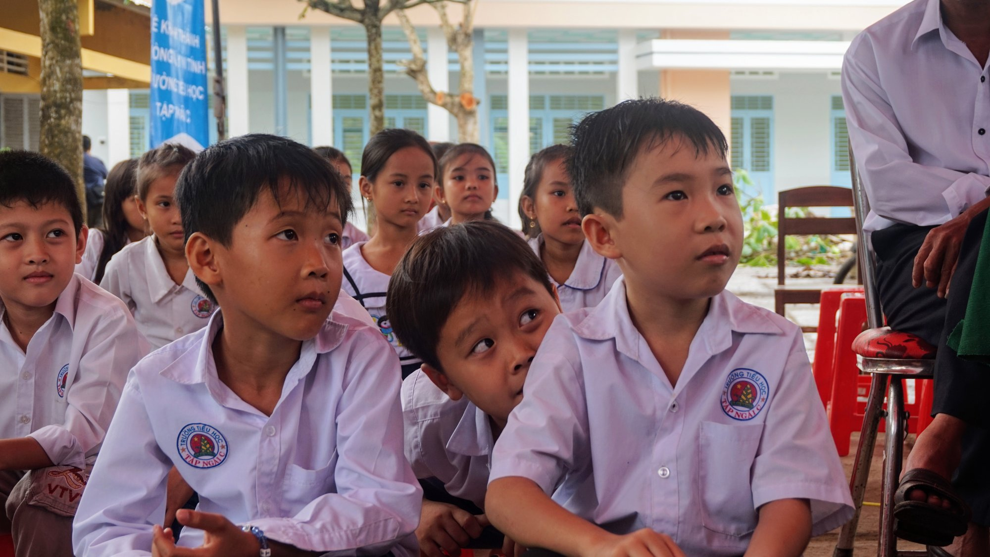 Eager students at Tập Ngãi C school