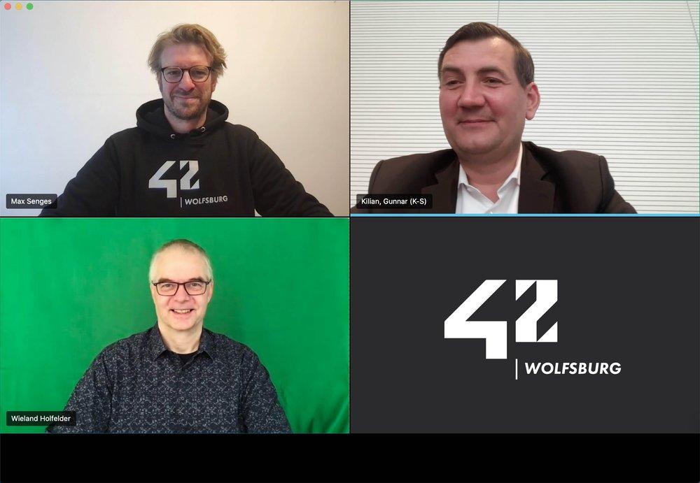 Dr. Max Senges (Geschäftsführer 42 Wolfsburg), Volkswagen-Personalvorstand Gunnar Kilian und Dr. Wieland Holfelder (VP Engineering und Site Lead Google München)