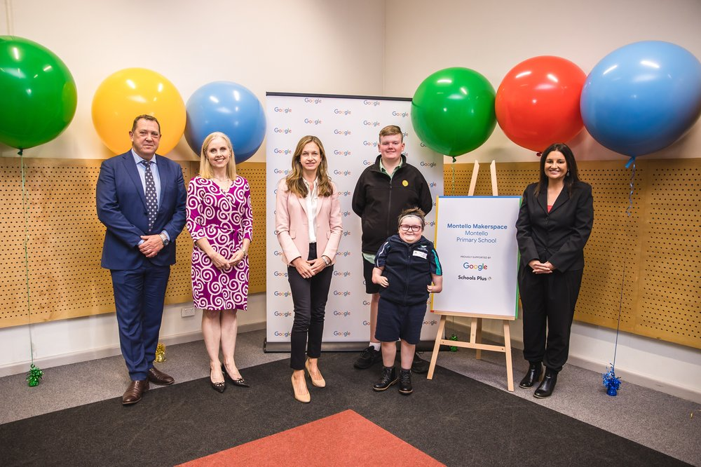 Member for Braddon, Gavin Pearce, Lucinda Longcroft, Rosemary Conn, CEO of SchoolsPlus, students Murphy Mansfield and Mathew Dunn, and Tasmanian Senator Jacqui Lambie, launch the Makerspace at Montello Primary.