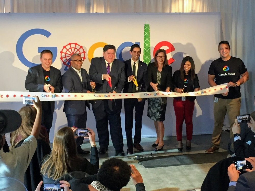 Ribbon cutting at our new Google Cloud office in Chicago, Ill., in 2019.