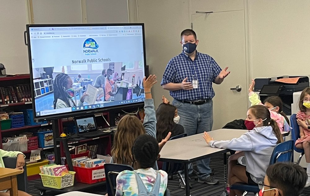 Jeff teaches students in person at Norwalk Public Schools.