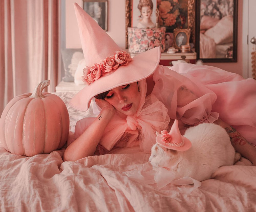 Keiko's witch hat was a hit with her followers (and their feline friends)
