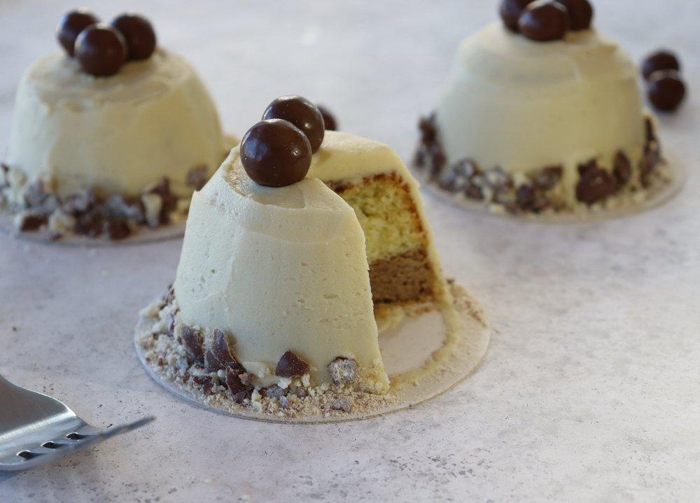 image of a Maltesers AI cake