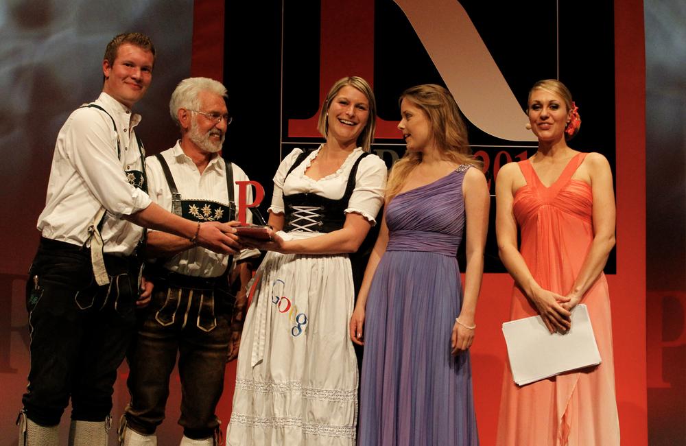 Ein Foto der Preisübergabe beim PR-Award 2011