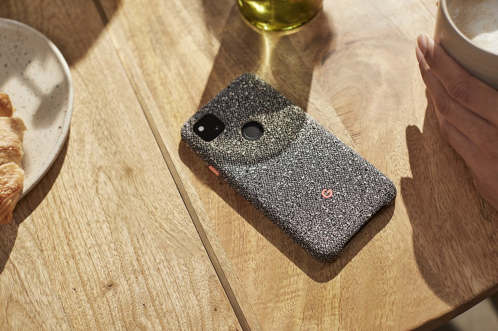 Pixel 4a Fabric Case (Lifestyle).jpg