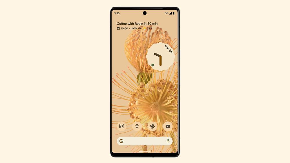 Ein Smartphone zeigt das Material You Design von Android 12