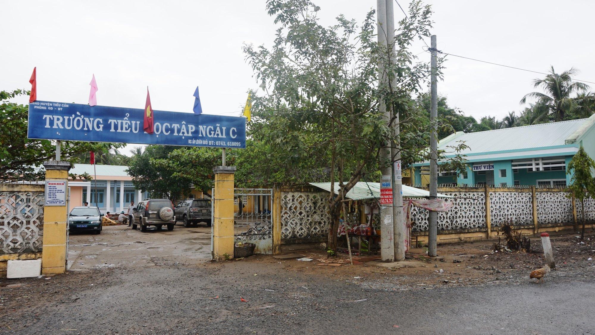 Tập Ngãi C school