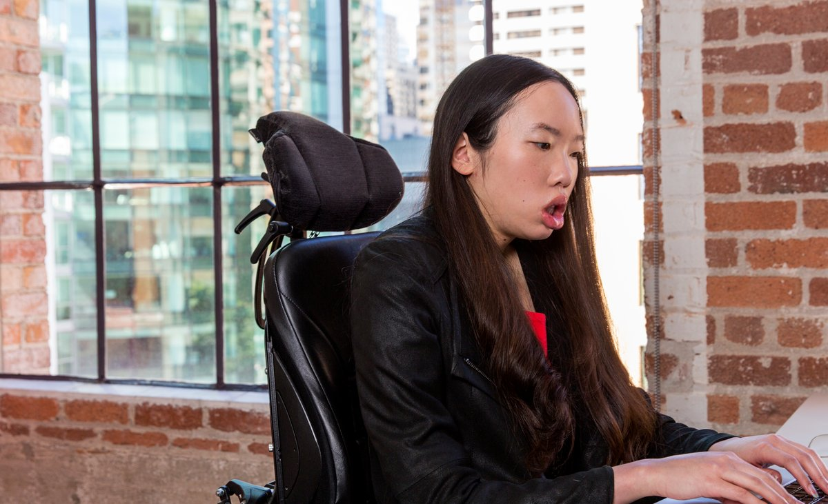 Visual is Aubrie, a Googler, using her computer.jpg