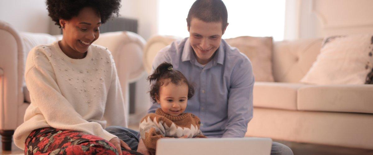 family-at-computer.jpg