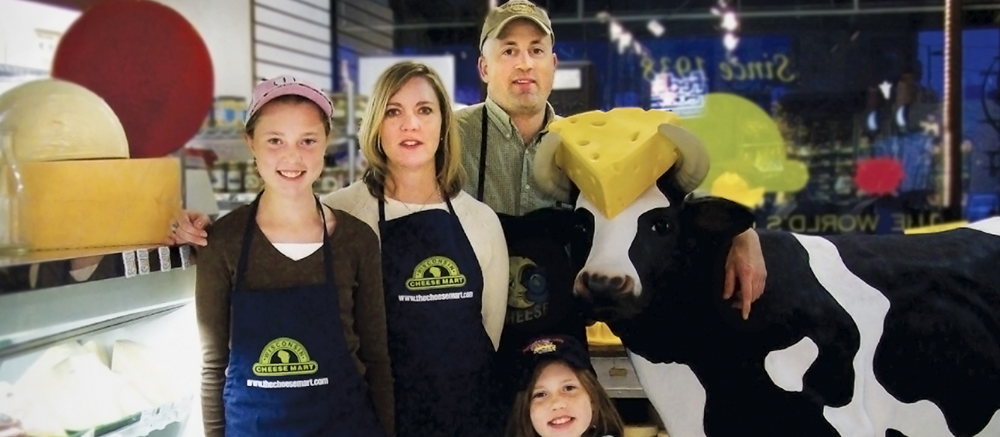 Wisconsin Cheese Mart makes a comeback—online and on the block