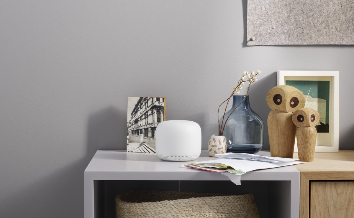 Nest Wifi Point - lifestyle