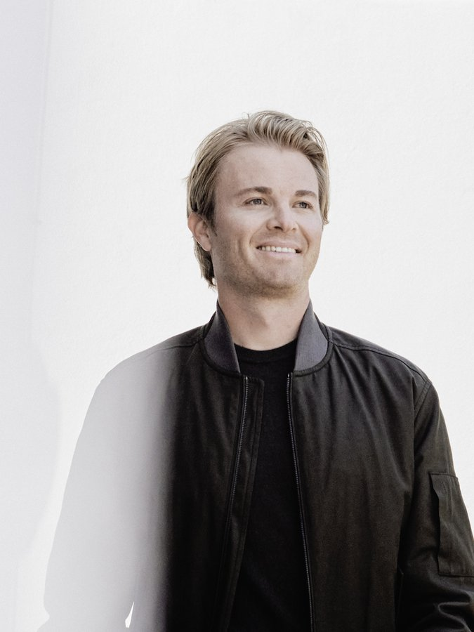 A quick pitstop with 2016 Formula 1 winner and YouTube creator, Nico Rosberg
