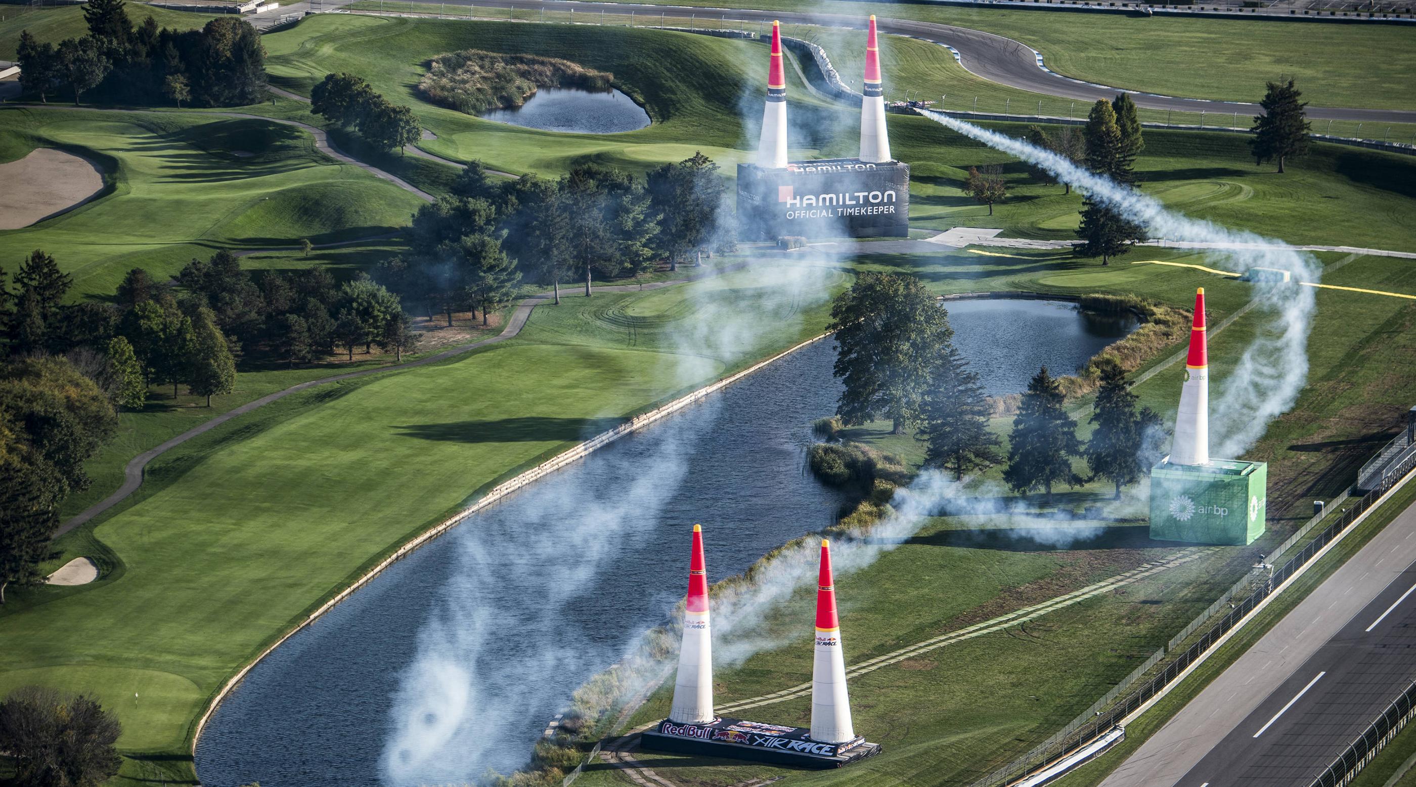 Red Bull - Racetrack Hero