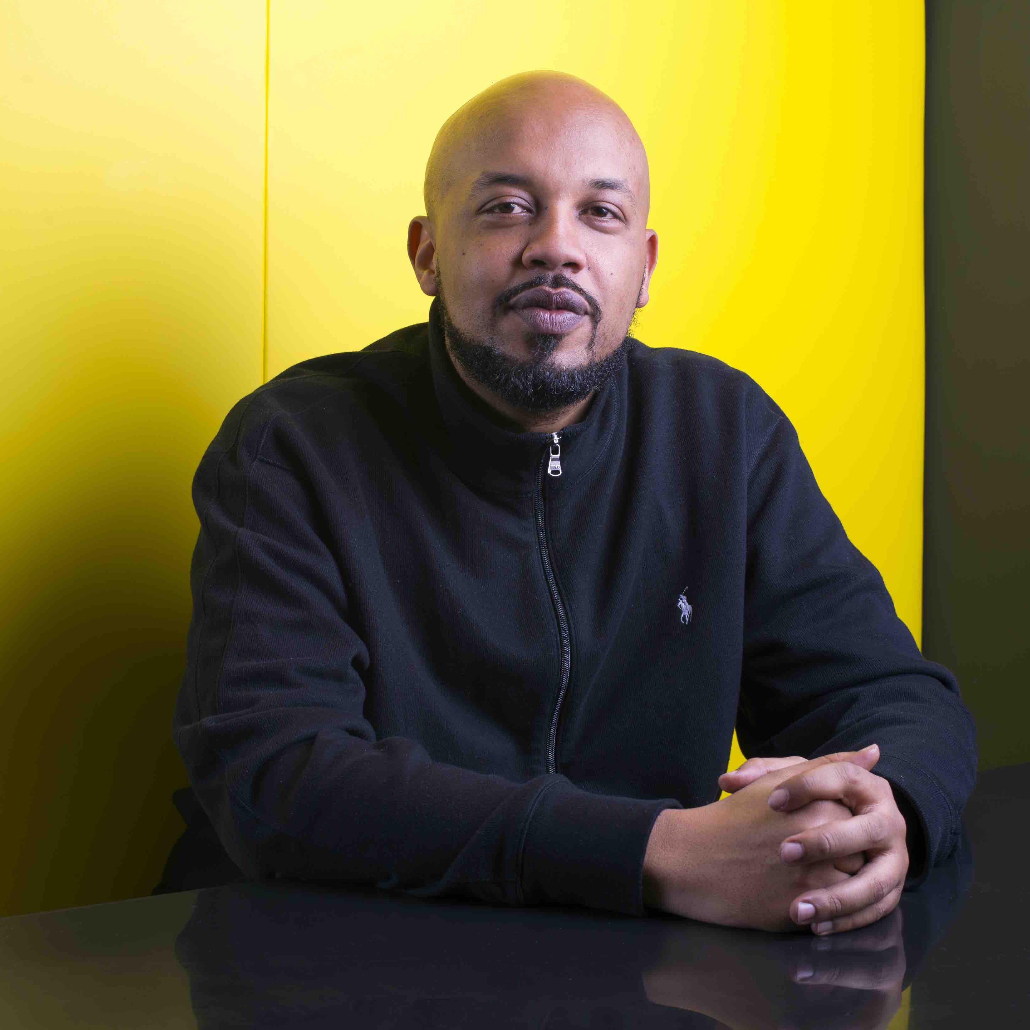 Uma semana acompanhando o trabalho de Tuma Basa, que se dedica à cultura e música negras no YouTube