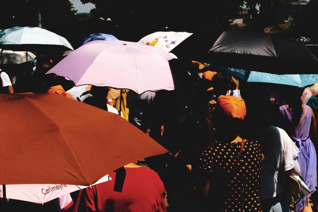 この夏、髪の紫外線対策とコロナ対策に「日傘」がベスト!女性も男性も日傘で夏とコロナを乗り切ろう!