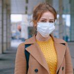 現コロナ禍における美容室でのマスク完全着用率は45%。20%は非着用。美容室でのマスク着用率に関するアンケート調査。