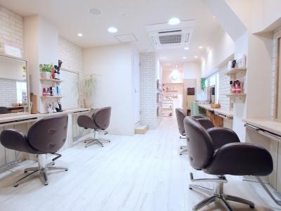 Hair Lounge Ayung - 店内写真