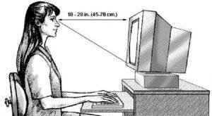 Memosisikan Monitor Komputer secara Tepat