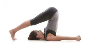 8 gerakan yoga untuk penderita asam lambung paling efektif