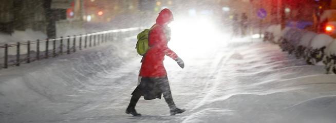 Snöfall vid Resecentrum i Skövde
