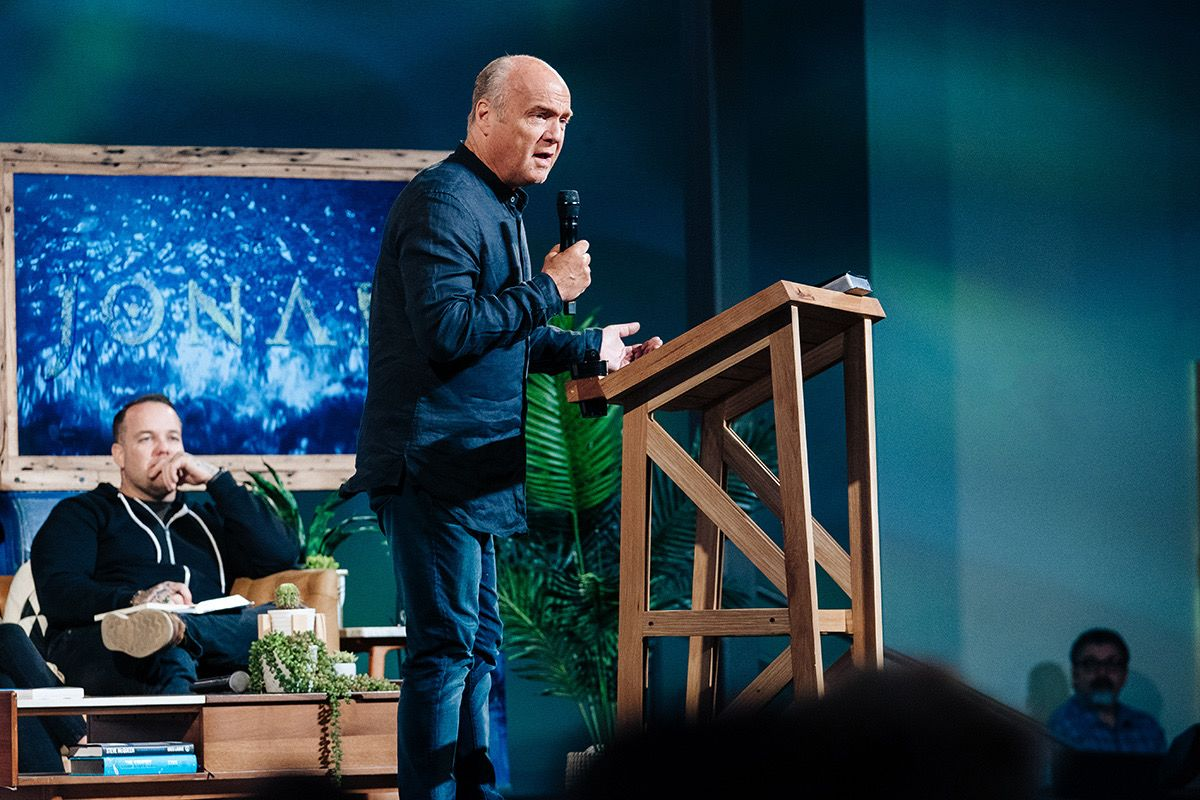 Greg Laurie preaches Here Am I...Send Him!