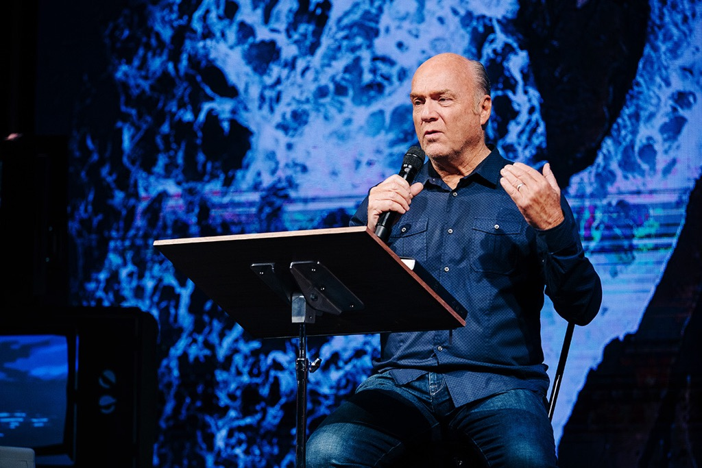 Greg Laurie teaches from Jonah 3 at Harvest Christian fellowship about how to reach our culture for Christ