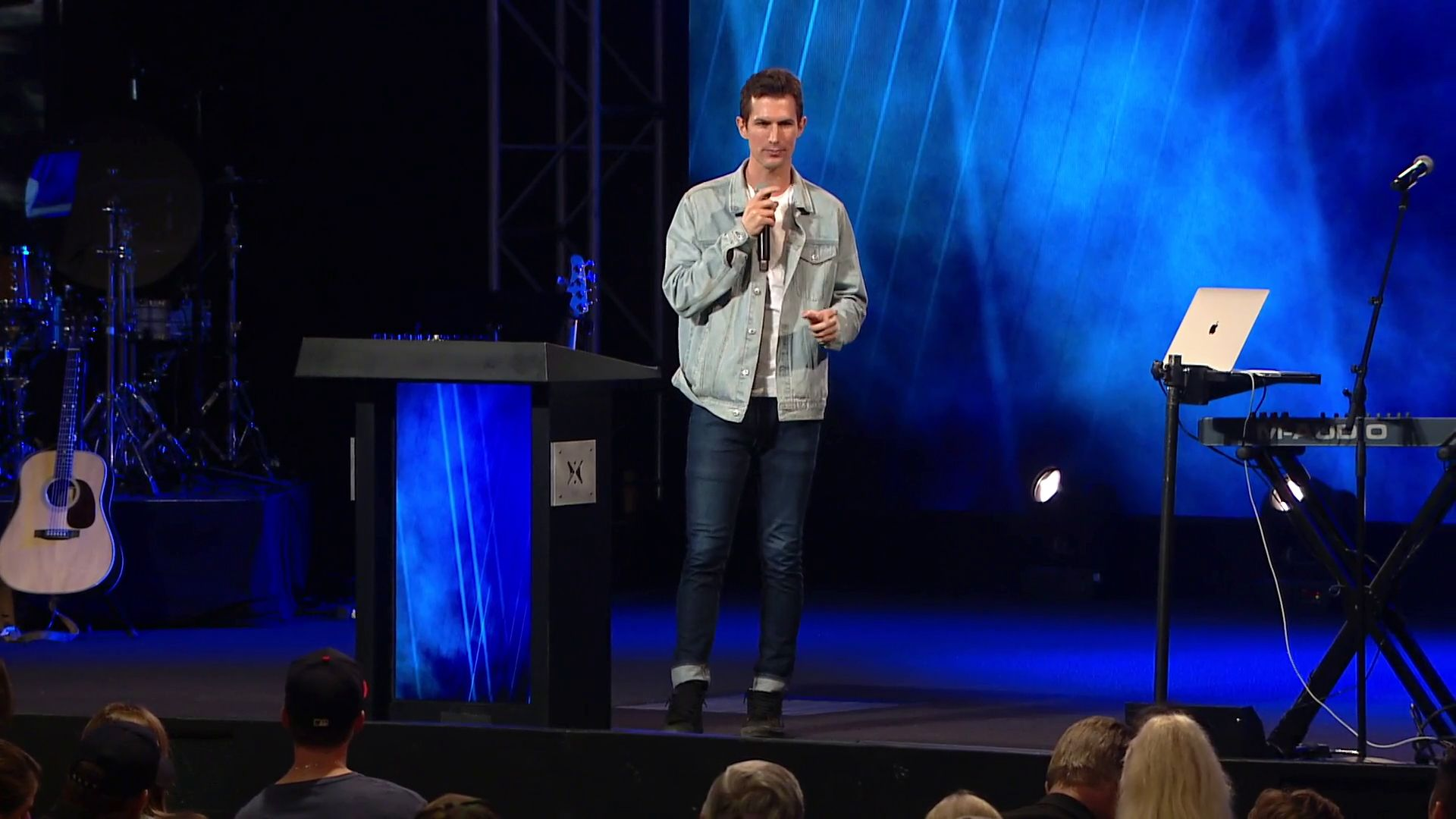 Ben Courson teaches a message on Romans 15 based on the book Optimisfits, at Harvest Christian Fellowship