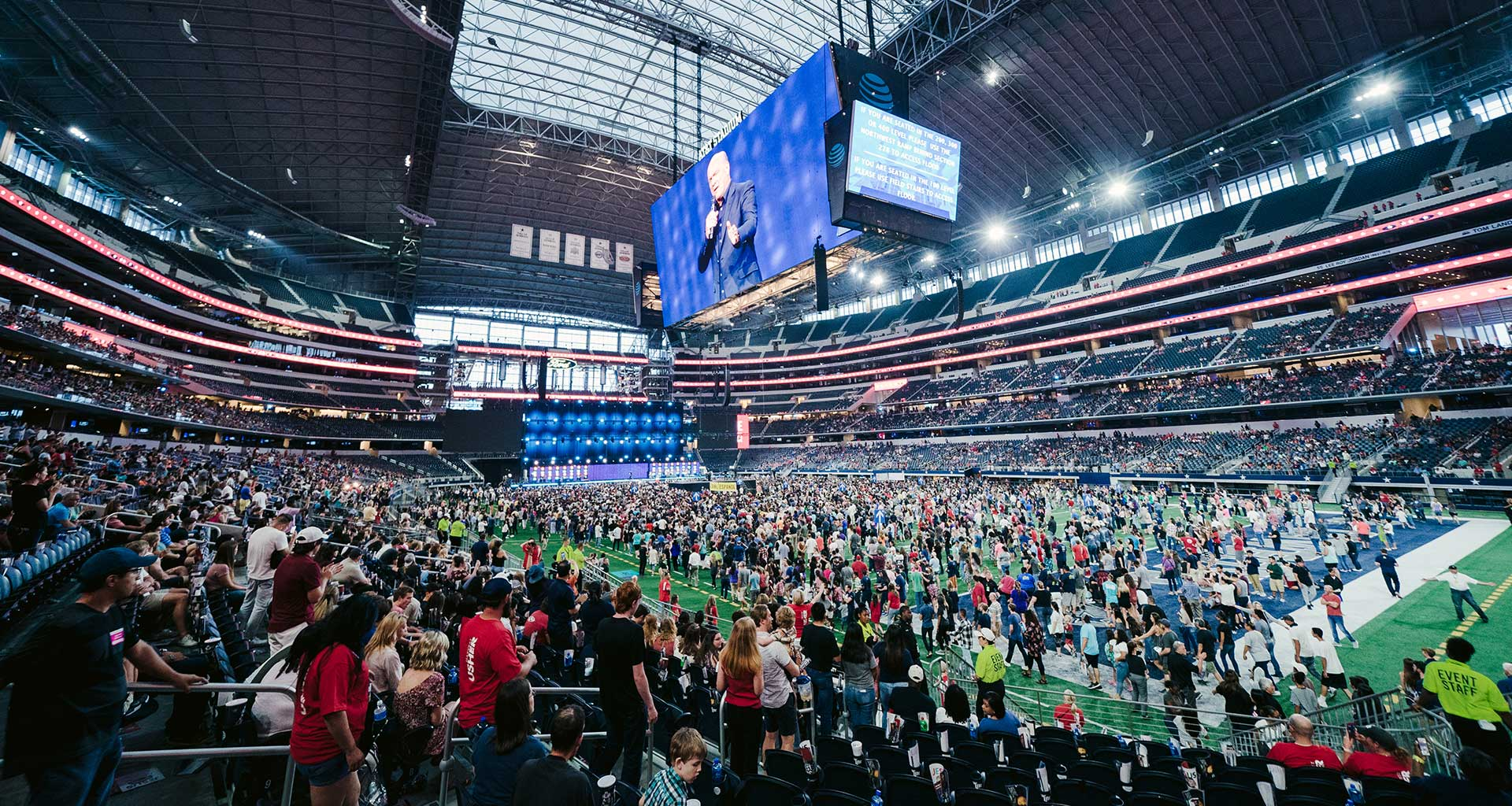 Thousands Respond to the Gospel in Texas
