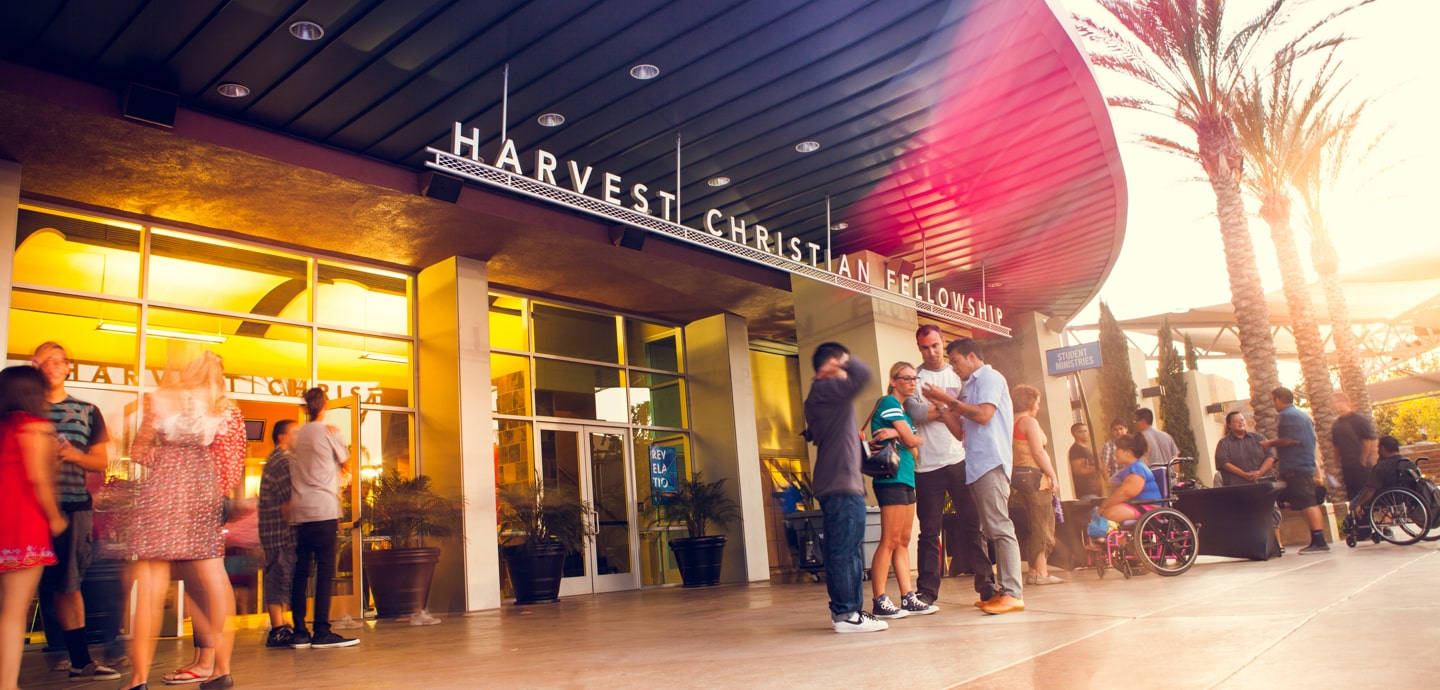 Greg Laurie's Harvest Christian Fellowship Church in California Hosts Drive-through Coronavirus Testing