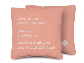 A-PILLOW-typingwords_06