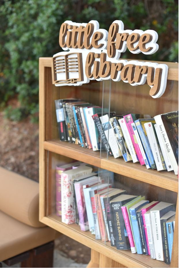 Hillside Beach Club's little free library